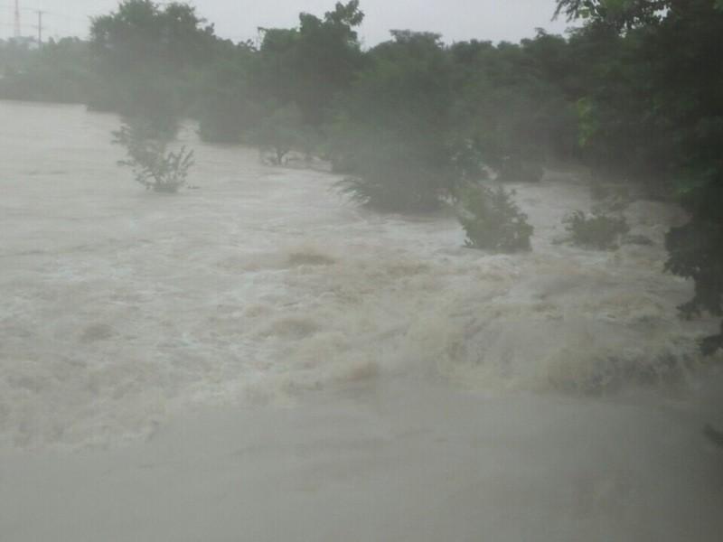 Lũ dữ cuồn cuộn đổ về Ninh Thuận - ảnh 9