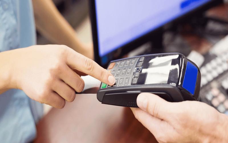 Tăng phí rút tiền ATM và chuyển khoản liên ngân hàng - ảnh 2