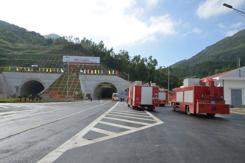 Chuẩn bị thông xe hầm đường bộ đèo Cù Mông - ảnh 1