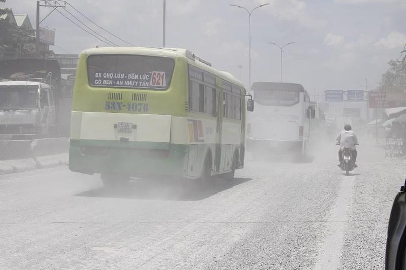 Dân quốc lộ 1A khóc ròng cảnh bụi đường mù mịt - ảnh 11