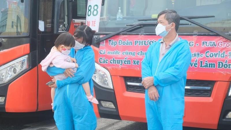 Hơn 2.000 người dân Lâm Đồng được đón về quê - ảnh 8