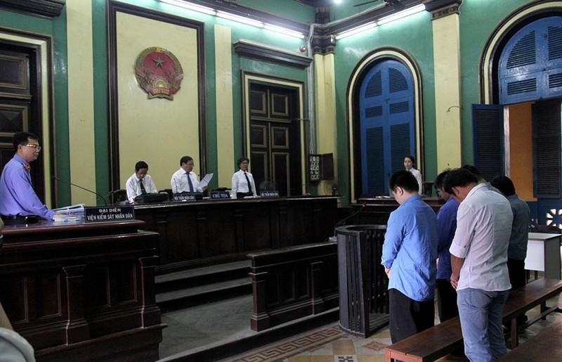 Đang xét xử vụ bị đánh chết sau khi cự cãi CSGT - ảnh 4