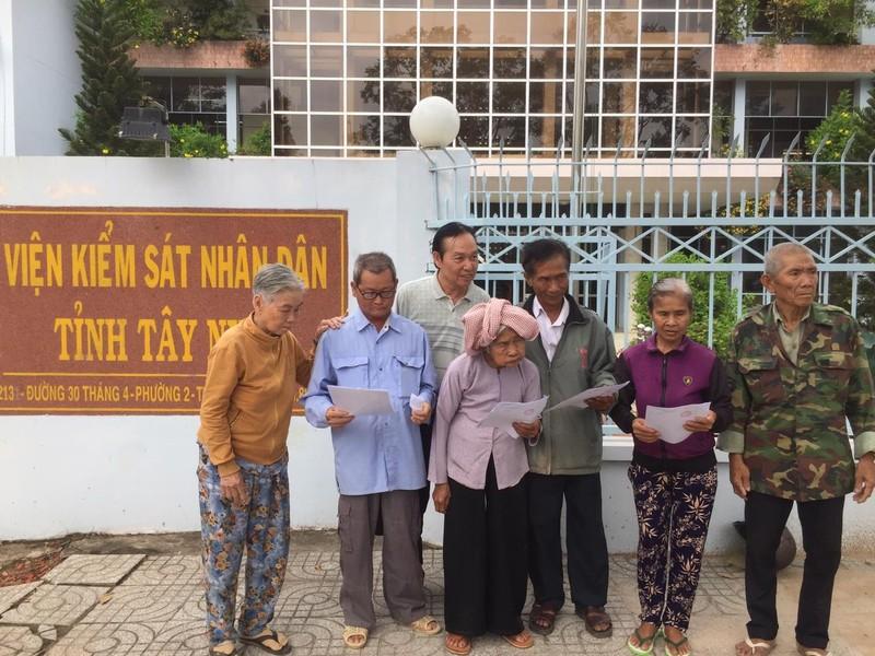 Vụ 8 người bị oan 40 năm: VKS nhận đơn yêu cầu bồi thường - ảnh 1