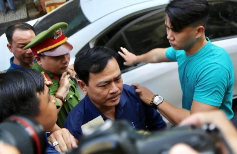 Ông Nguyễn Hữu Linh nộp kháng cáo ngay sau khi tòa tuyên án - ảnh 1