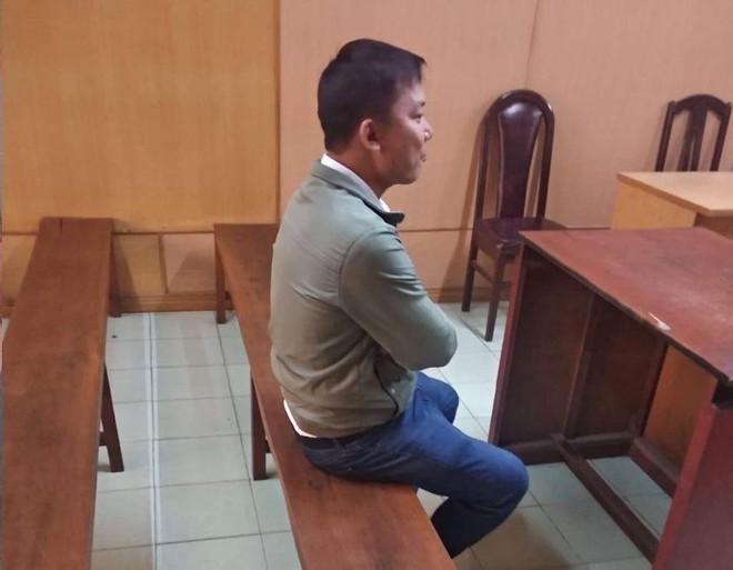 Cựu công an lừa mua xe tang vật kêu oan nhưng không đến tòa - ảnh 1