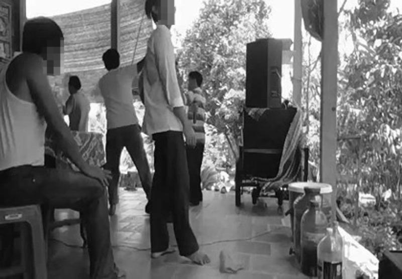Đo tiếng ồn karaoke, 3 cán bộ xã bị đánh nhập viện - ảnh 1