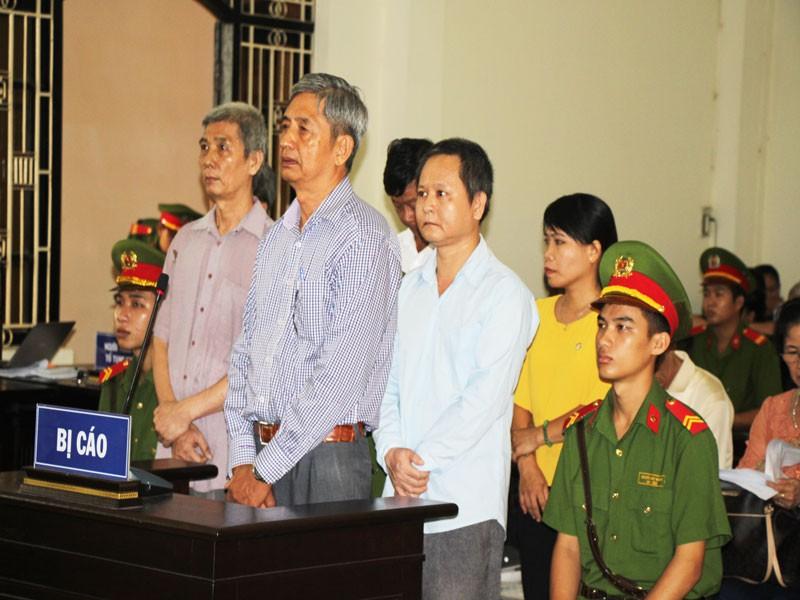 Cựu giám đốc và phó giám đốc Sở KH&CN Trà Vinh hầu tòa - ảnh 1
