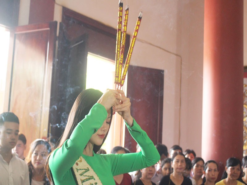 Hoa hậu Phương Khánh về thăm quê nhà Bến Tre - ảnh 7