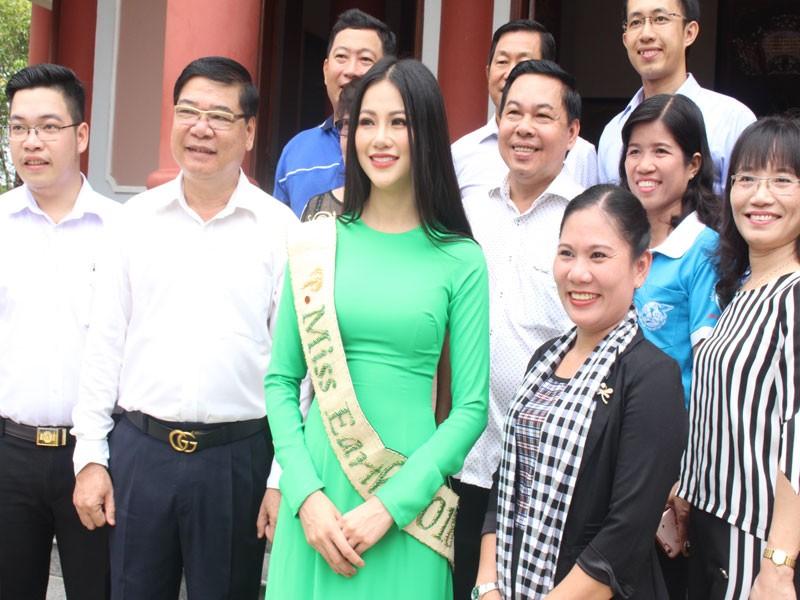 Hoa hậu Phương Khánh về thăm quê nhà Bến Tre - ảnh 4