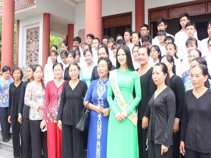 Hoa hậu Phương Khánh về thăm quê nhà Bến Tre - ảnh 5