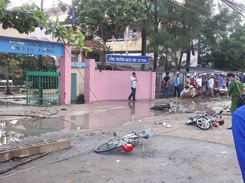 Kết luận vụ đứt dây điện ở cổng trường làm chết 2 học sinh  - ảnh 1