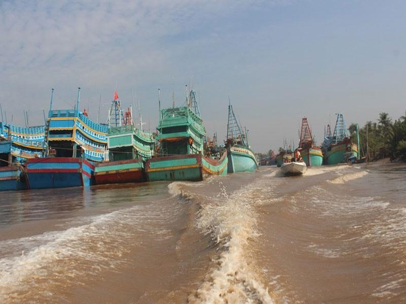 Bão số 9: Bến Tre, Tiền Giang cấm tàu thuyền ra khơi - ảnh 1
