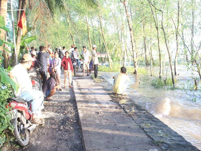 Vụ chìm sà lan trên sông Tiền: Đã tìm thấy 3 thi thể nạn nhân - ảnh 3