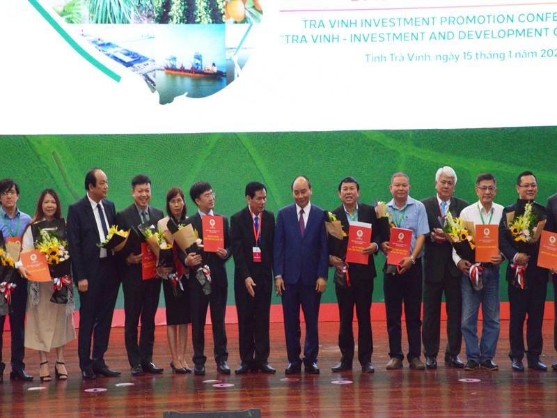 Trà Vinh trao quyết định đầu tư 5 dự án lớn - ảnh 2