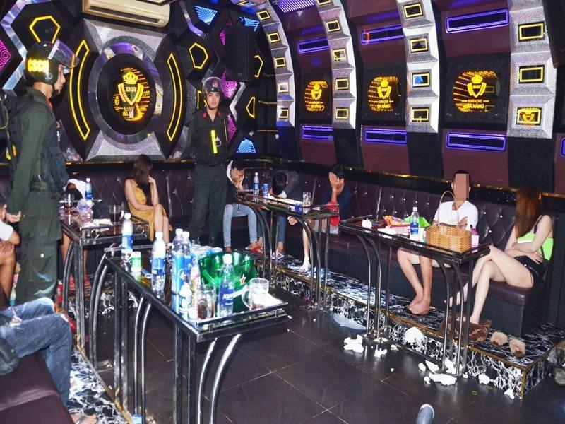28 người dương tính ma túy trong quán karaoke ở Bến Tre - ảnh 1