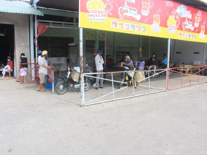 Gỡ bỏ lệnh 'bế quan tỏa cảng' tại bến phà Sơn Định - Ngũ Hiệp - ảnh 3