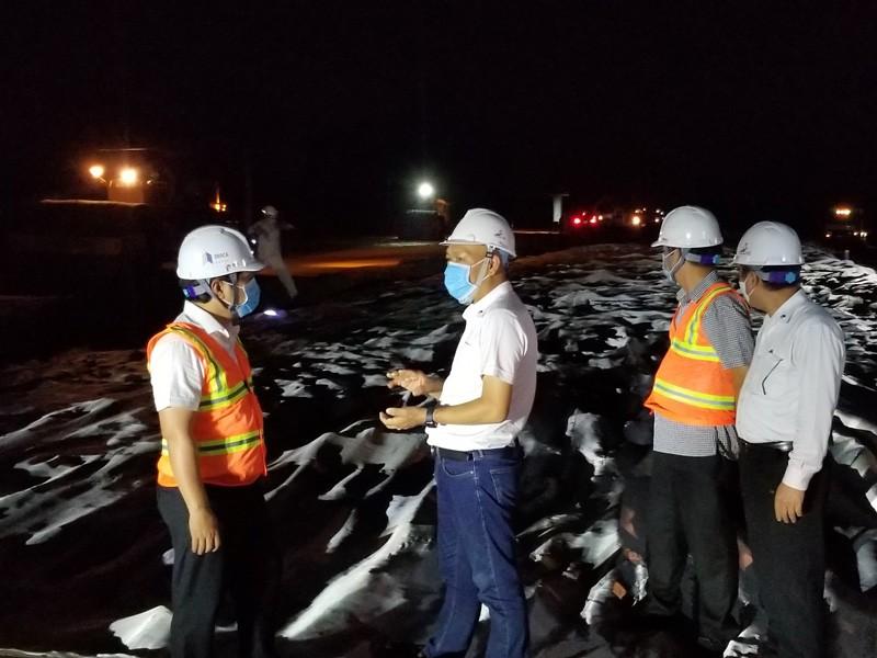 Dự án cao tốc Trung Lương - Mỹ Thuận thi công xuyên đêm   - ảnh 1