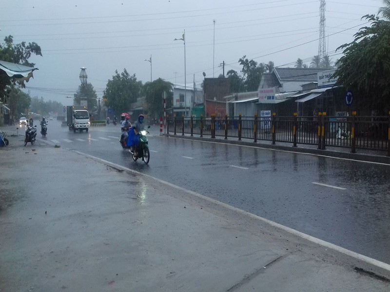 Nhiều nơi ở miền Tây đón cơn mưa giải hạn - ảnh 1