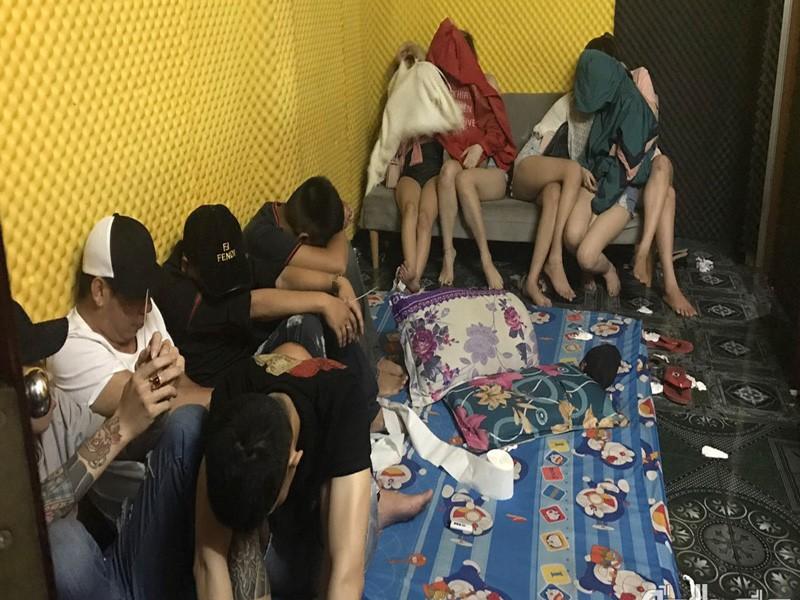 57 nam, nữ dương tính với ma túy chung khách sạn ở TP Mỹ Tho - ảnh 1