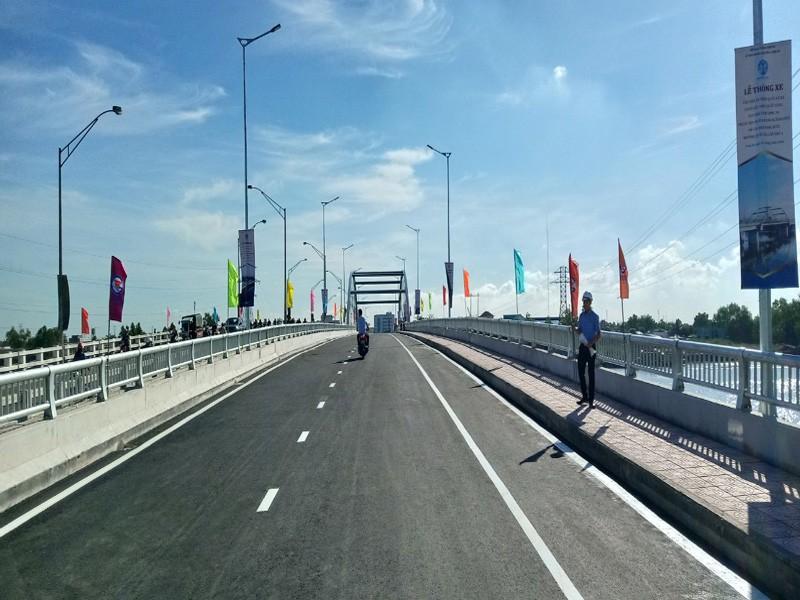 Long An: Thông xe cầu Tân An và 5 cầu trên Quốc lộ N1 - ảnh 2