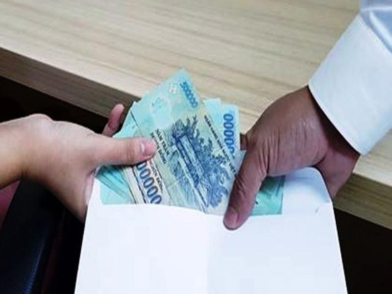 Đề nghị truy tố cựu điều tra viên nhận hối lộ  - ảnh 1