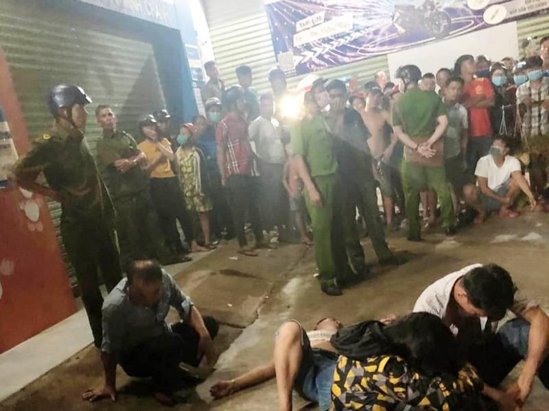 3 thanh niên bị dân vây bắt sau tiếng hô hoán 'bị bắt cóc' - ảnh 1