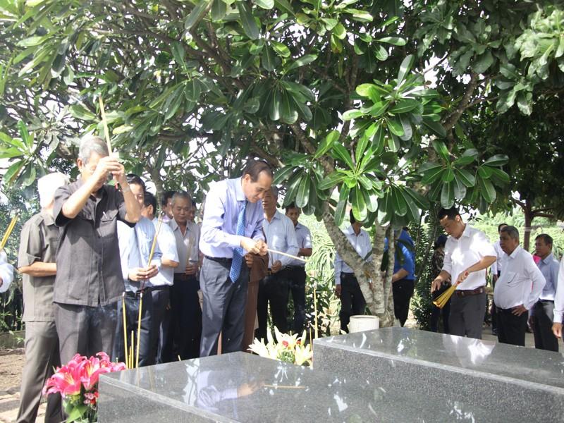 Hơn 8,5 tỉ đồng xây dựng nhà lưu niệm GS Trần Văn Giàu - ảnh 2