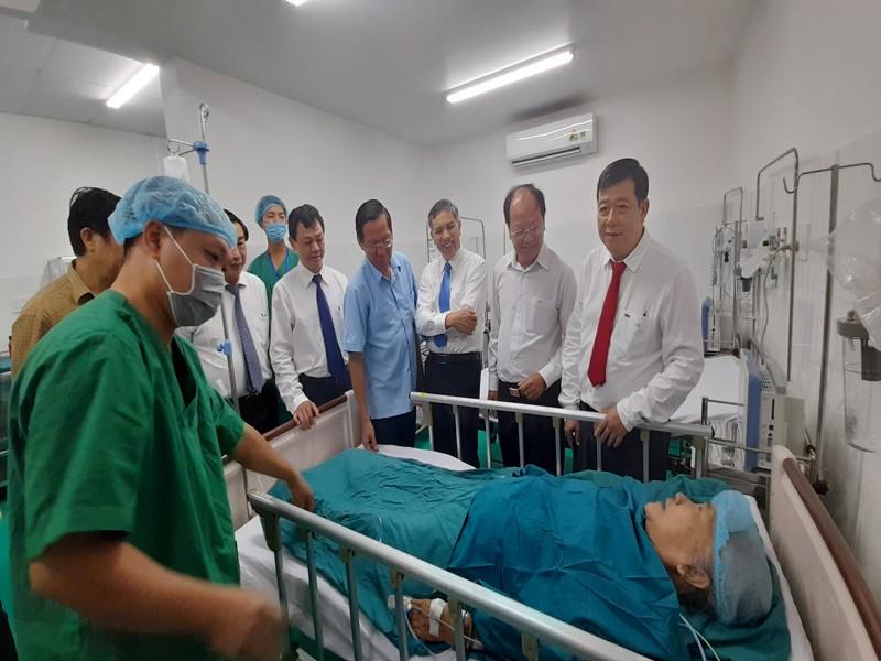 BV Chợ Rẫy hỗ trợ kỹ thuật điều trị can thiệp mạch cho Bến Tre - ảnh 1