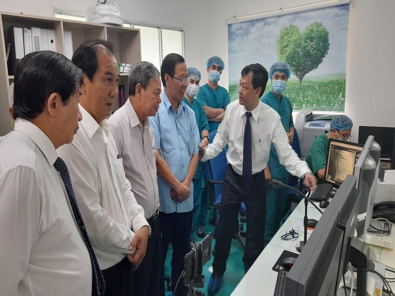 BV Chợ Rẫy hỗ trợ kỹ thuật điều trị can thiệp mạch cho Bến Tre - ảnh 2