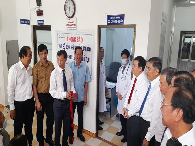 BV Chợ Rẫy hỗ trợ kỹ thuật điều trị can thiệp mạch cho Bến Tre - ảnh 3