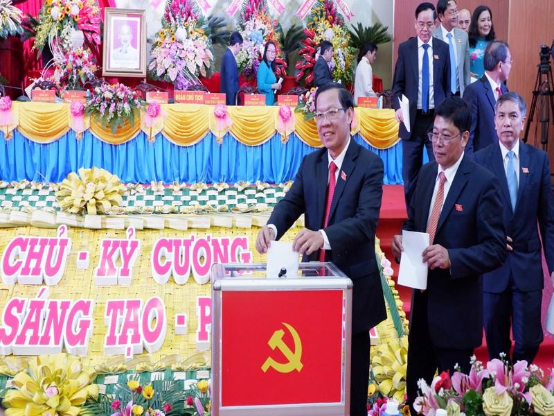 Công bố kết quả bầu Ban Chấp hành Đảng bộ Bến Tre khóa XI - ảnh 1