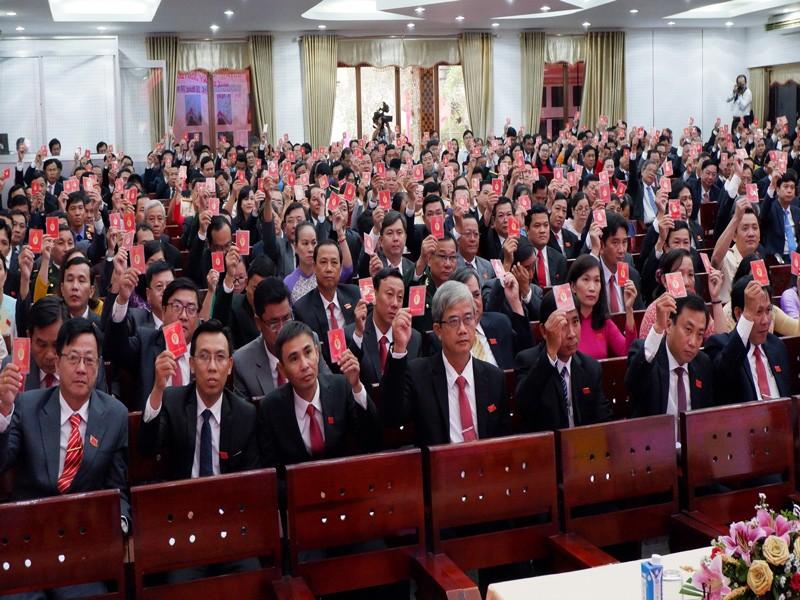 Công bố kết quả bầu Ban Chấp hành Đảng bộ Bến Tre khóa XI - ảnh 2