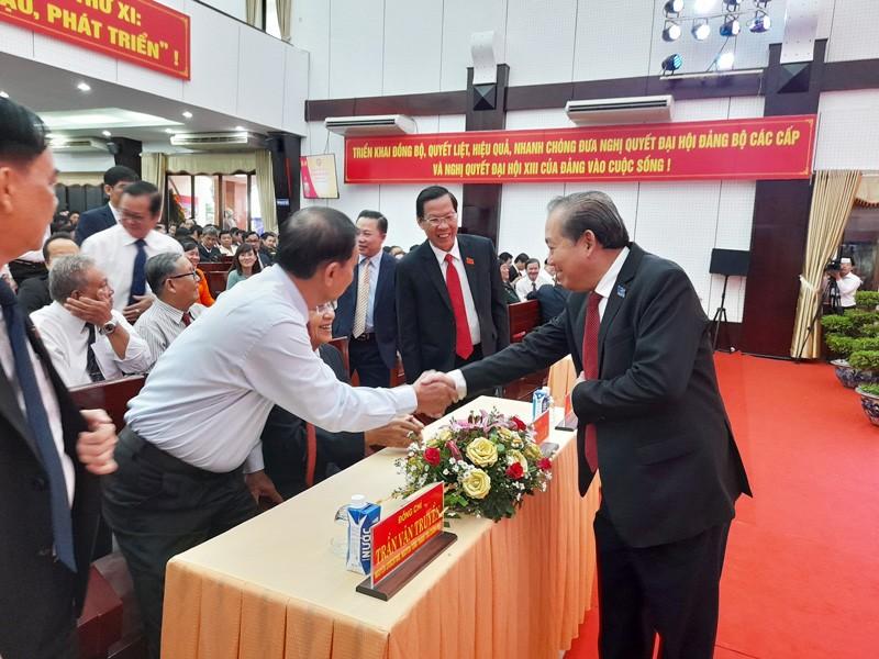 Ông Trương Hòa Bình dự Đại hội Đảng bộ Bến Tre lần thứ XI - ảnh 3