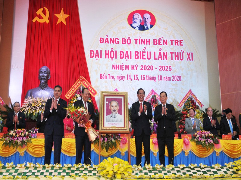 Đảng bộ Bến Tre xác định phấn đấu vươn lên tỉnh khá  - ảnh 2
