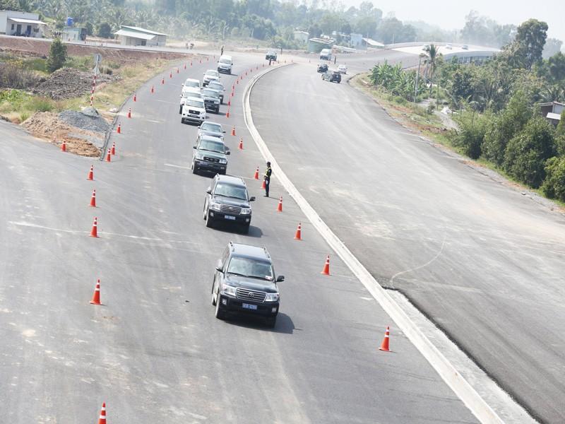 Cao tốc Trung Lương - Mỹ Thuận chỉ lưu thông 1 chiều dịp tết - ảnh 1