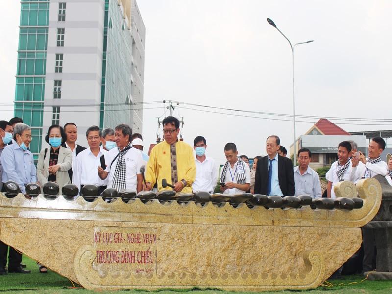Khánh thành 13 bộ đàn đá lớn nhất Việt Nam - ảnh 2
