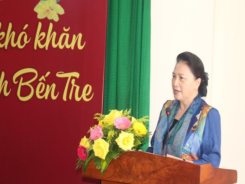 Chủ tịch Quốc hội trao quà Tết tại Bến Tre - ảnh 2