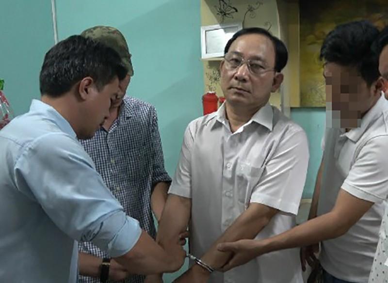 Cử người phụ trách Bệnh viện Cai Lậy sau khi giám đốc bị bắt - ảnh 1