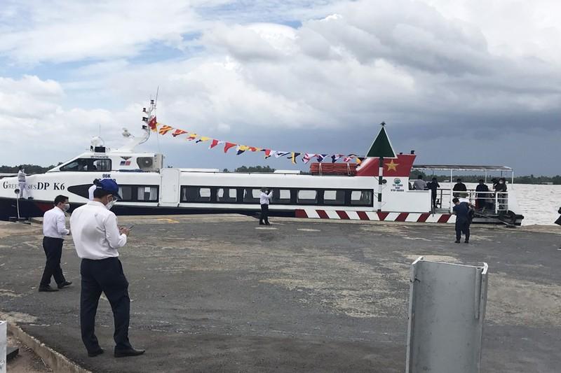Tàu thủy cao tốc chở hàng chục tấn nông sản từ Tiền Giang lên hỗ trợ TP.HCM  - ảnh 1