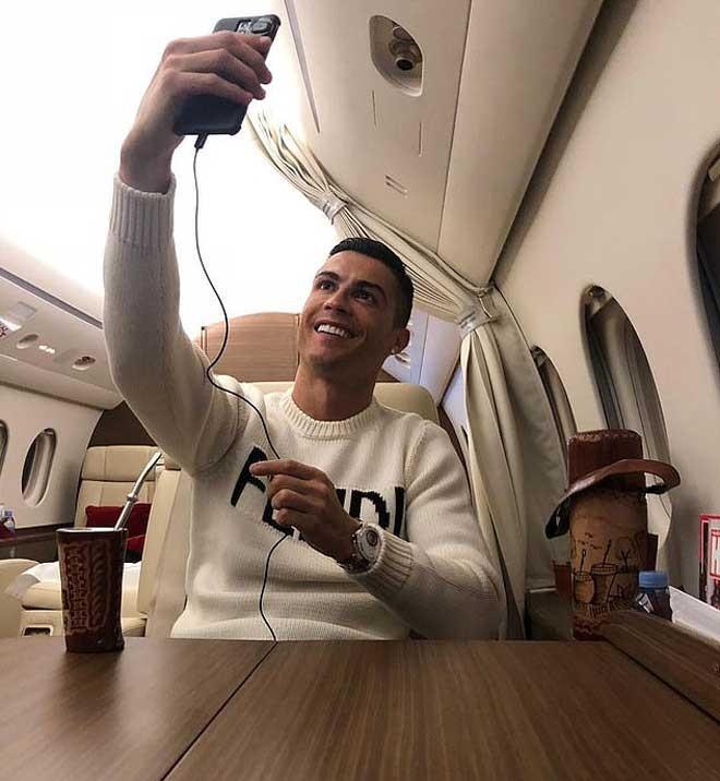 Xem máy bay riêng của Ronaldo hạ cánh rồi… cấm bay - ảnh 2