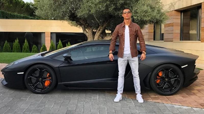 Trở lại Ý, Ronaldo 'vỡ kế hoạch' với 2 tuần cách ly - ảnh 3