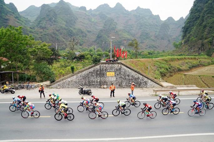 Góc camera Lê Nguyệt Minh: Nỗi khổ và hiểm nguy của cua rơ - ảnh 2