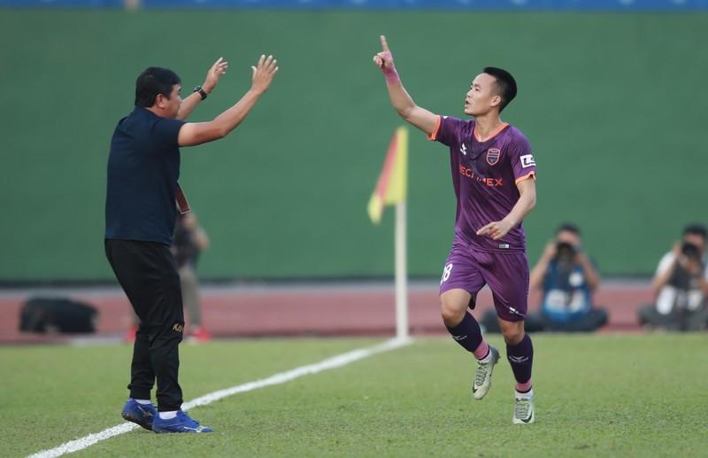 'Dừng luôn V-League 2021, trao cúp vô địch cho HA Gia Lai' - ảnh 2