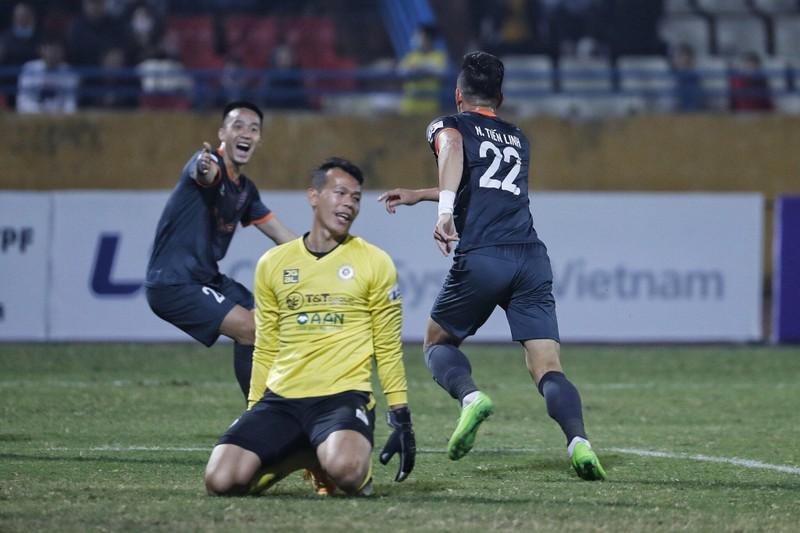 'Dừng luôn V-League 2021, trao cúp vô địch cho HA Gia Lai' - ảnh 3