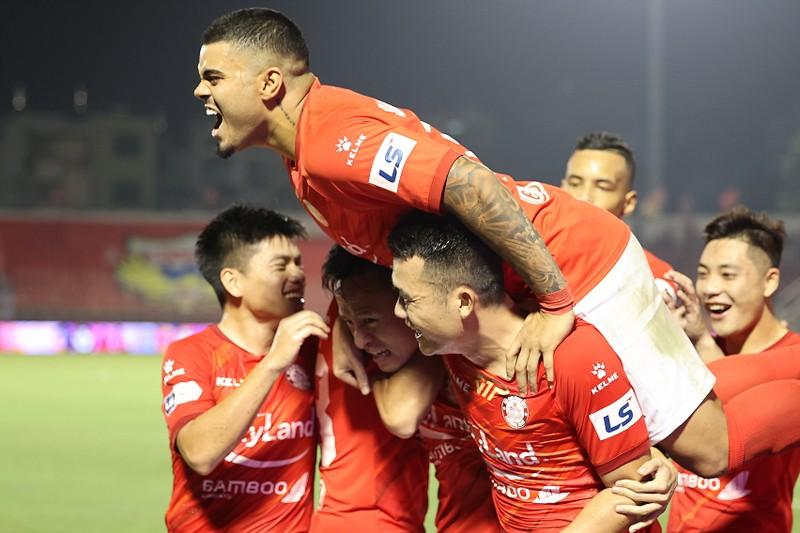 Dừng V-League, CLB sẽ bớt khủng hoảng, nhưng VPF sẽ mất hết - ảnh 2