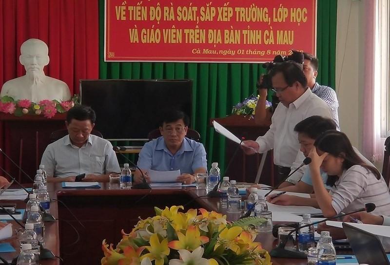 Không có chuyện sa thải khẩn cấp 1.400 giáo viên ở Cà Mau - ảnh 1