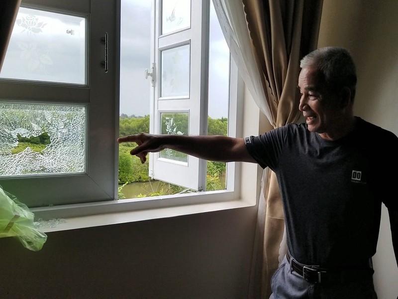 Biệt thự 1 tỉ phú Cà Mau nghi bị bắn vào cửa sổ lúc giữa trưa - ảnh 1
