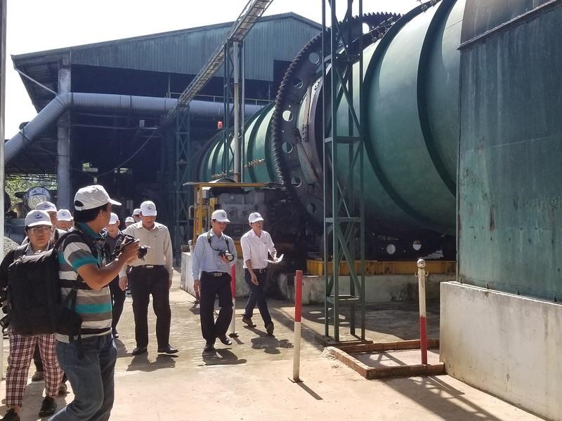 Chủ tịch Cà Mau đề nghị nhà máy rác không đóng cửa - ảnh 1