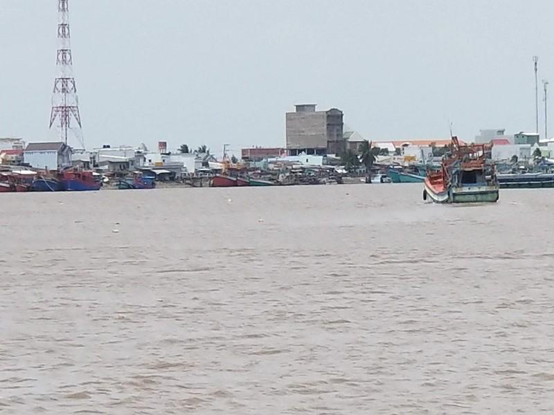Ngư dân Gành Hào kêu bị điện gió Cà Mau cản đường - ảnh 1