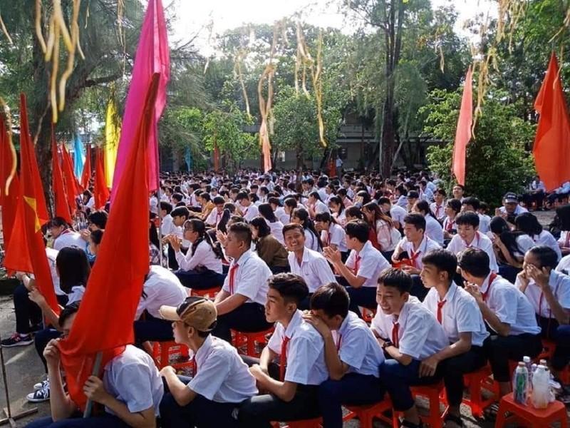Khai giảng ở Kiên Giang có tối đa 150 học sinh dưới sân cờ - ảnh 1